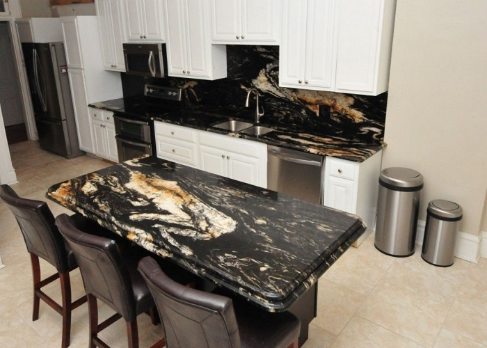 Bàn ăn mặt đá - điểm sáng cho một không gian bếp sang trọng