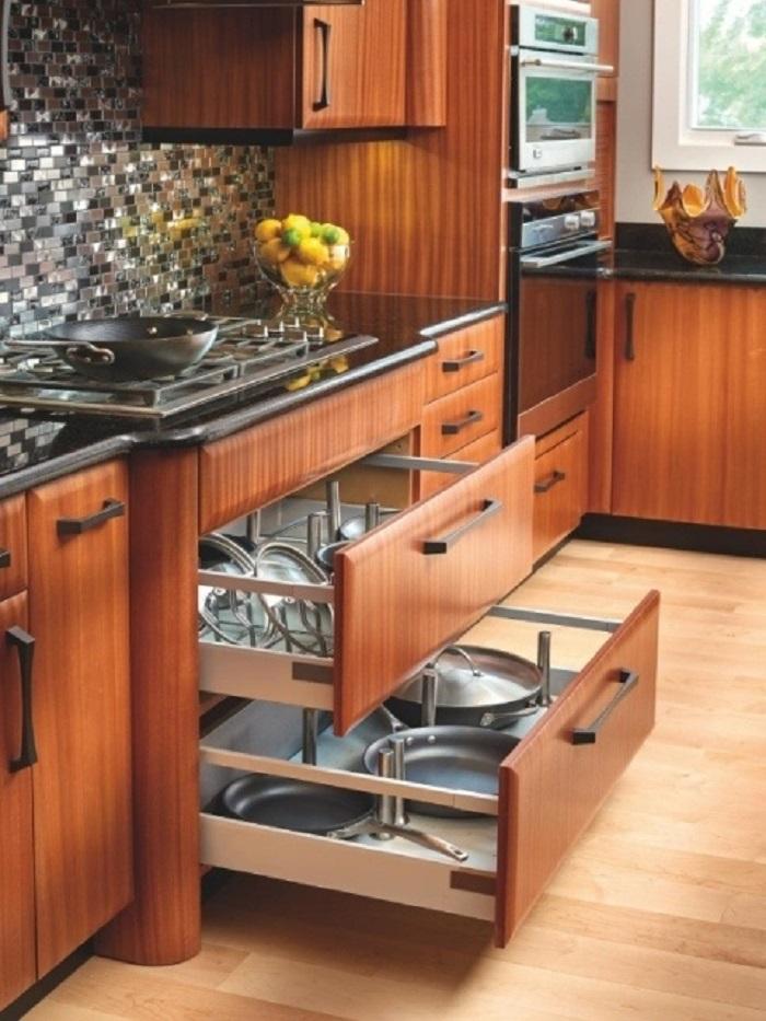 Mẫu tủ bếp thông minh biến nhà chật hoá rộng