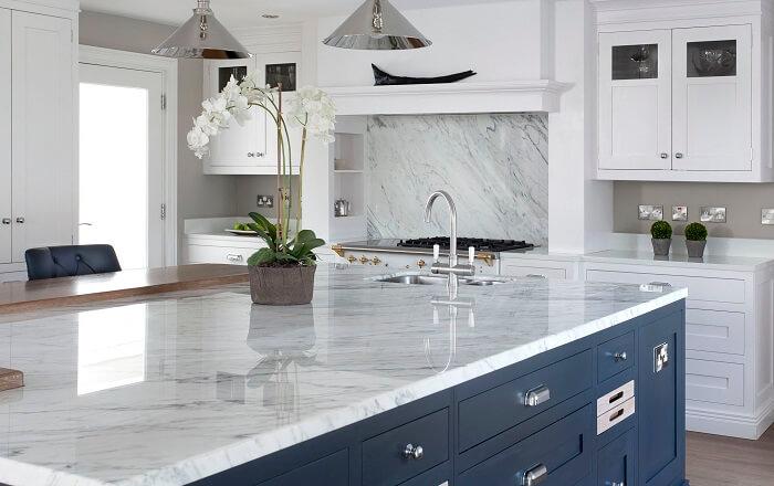 Cách lựa chọn chất liệu và bảo quản mặt bàn bếp-3