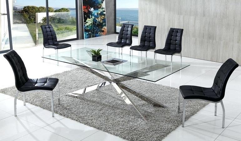 Không gian bếp đẹp thời thượng với bàn ăn kính hiện đại