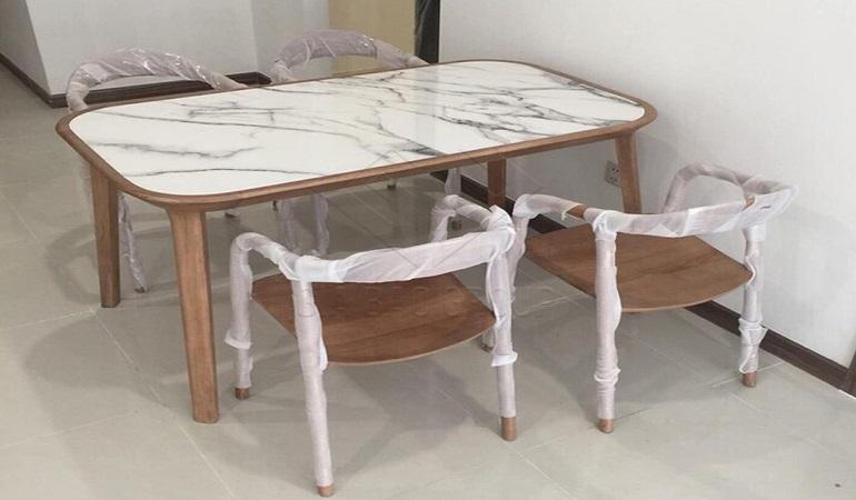 Những mẫu bàn ăn mặt đá phù hợp với không gian nhỏ hẹp