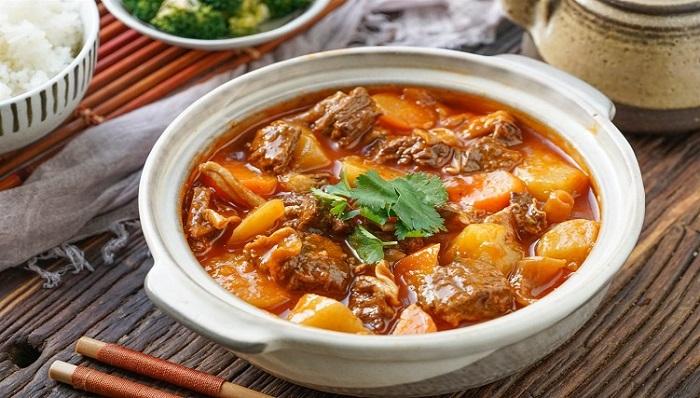 Bò hầm khoai tây - thực phẩm bồi bổ cho người già-4