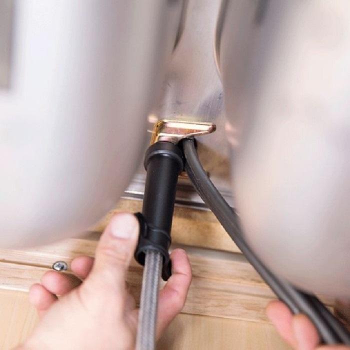 Các công đoạn lắp đặt vòi rửa từ A đến Z-7