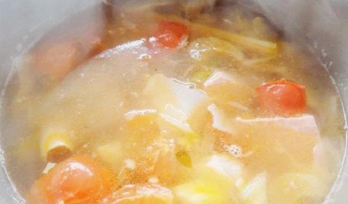 Cách chế biến canh chua cá hồi - món ăn tốt cho tim mạch-9