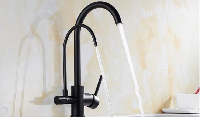 Đặc điểm và tính năng cơ bản của vòi rửa bát 3 đường nước