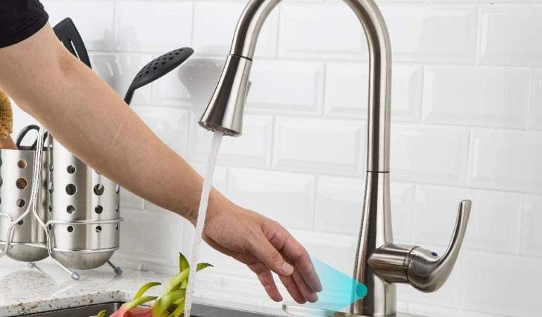 4 vấn đề bộ vòi rửa bát cảm ứng thường gặp
