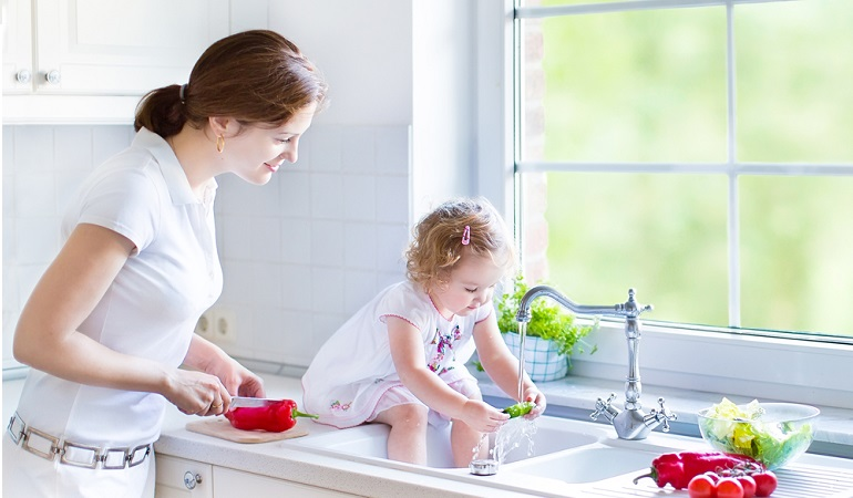 Bỏ túi một số mẹo khi chọn vòi sen rửa bát