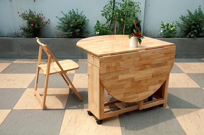 Không gian bếp sang trọng với bàn ăn thông minh gỗ sồi