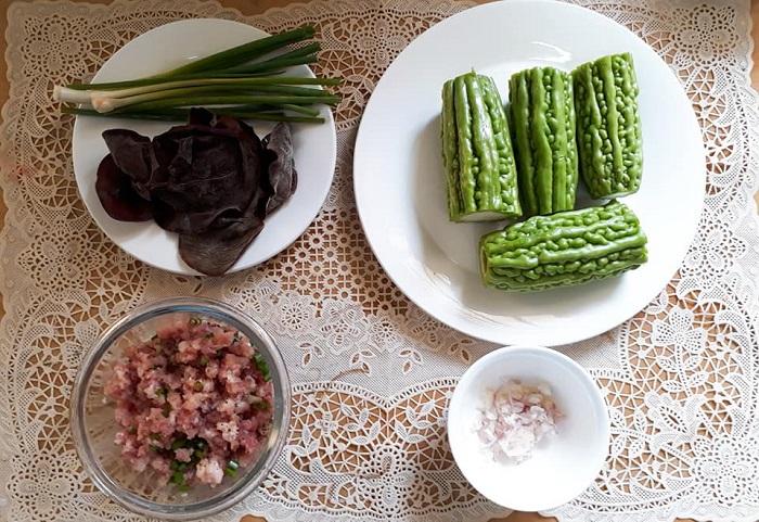 Canh mướp đắng nhồi thịt - món ăn cho mùa hè nắng nóng-2