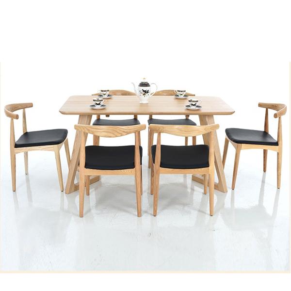 Mẫu bàn ghế ăn gỗ cao su đắt khách nhất hiện nay-2