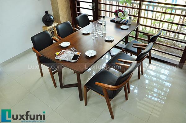 Mẫu bàn ghế ăn gỗ cao su đắt khách nhất hiện nay-4