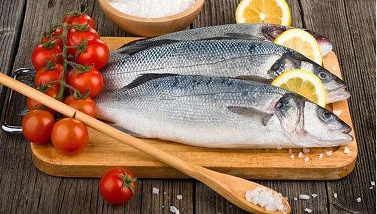 6 mẹo khử mùi tanh của cá đơn giản dễ làm-001