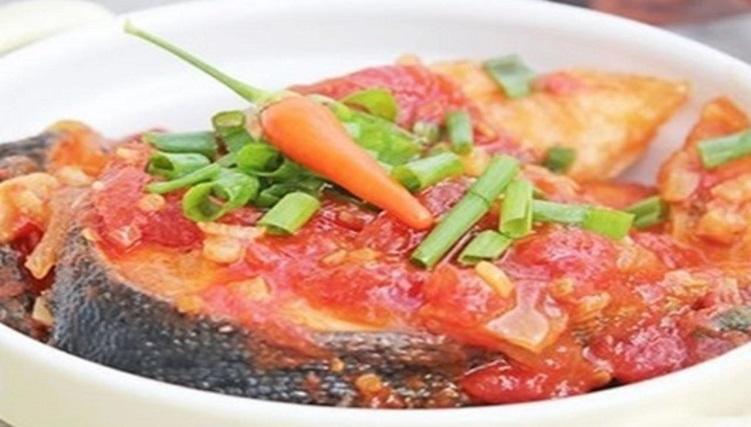 Cá hồi sốt cà chua - món ăn dành cho người bị gan nhiễm mỡ
