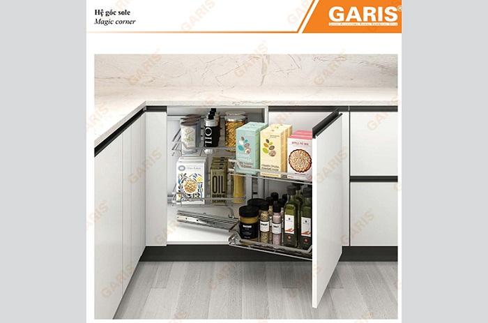 Giá liên hoàn giúp tận dụng tối đa không gian tủ bếp