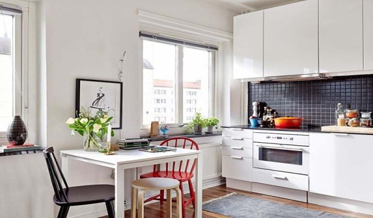 Nên chọn bộ bàn ăn nhà bếp làm từ chất liệu gì?