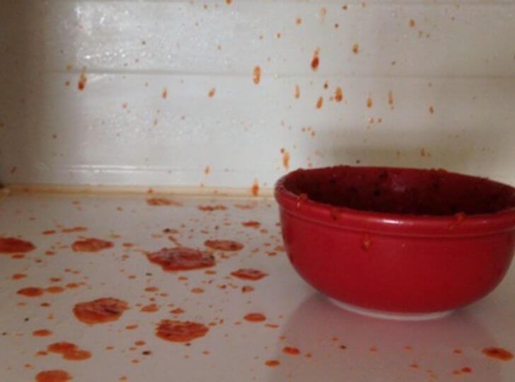 7 loại thực phẩm bạn đừng bao giờ hâm nóng trong lò vi sóng