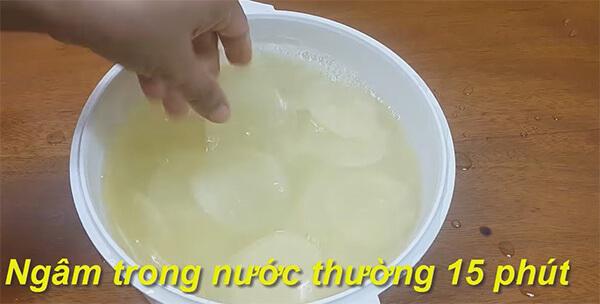 Cách làm bimbim khoai tây mỏng giòn vị rong biển
